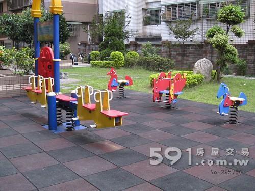 社区中庭:儿童游乐区