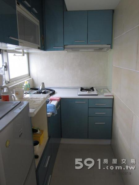 独立客厅厨房与房间