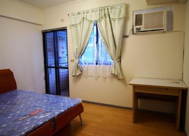 套房卧室窗户装修效果图